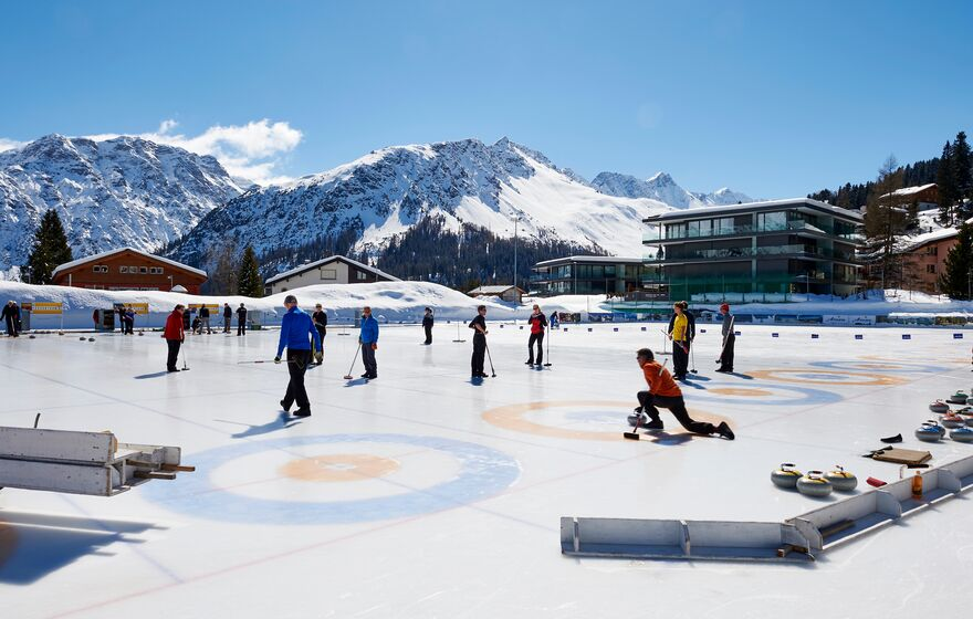 Curling in Arosa | © Nina Mattli